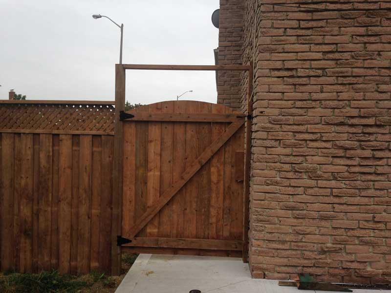 corner-fence-gates